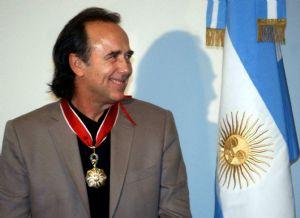 Serrat recibió la Orden de Mayo por parte del Gobierno Argentino
